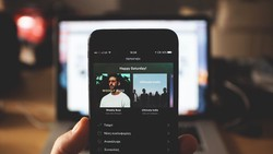Spotify for Android bug hides playlists downloaded from the library for offline playback